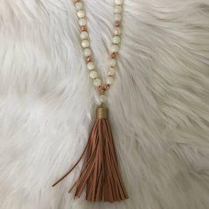 Jewelry - 🌸 Long tassel necklace 📿💕